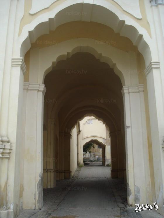 5.Аушрос Варту, 7b. Вход во двор бывшего монастыря базилиан и базилианок