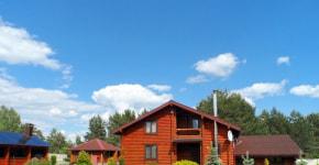 Выбираем усадьбу для души: в «Неманский куток» за идеальным газоном, деревянным домиком и большим уловом