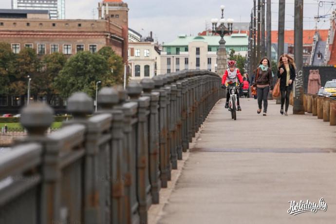 Туры выходного дня в Ригу. Прогулка по мосту