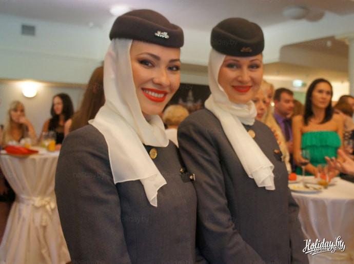 Картинки по запросу фото стюардесса Этихад