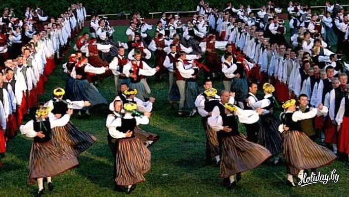 Праздник песни музыки и танца