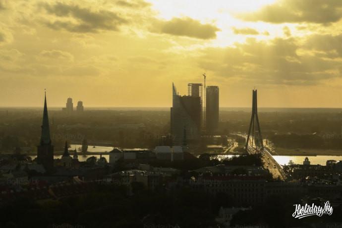 "Вид на Ригу из кафе Skyline в отеле ""Латвия"""