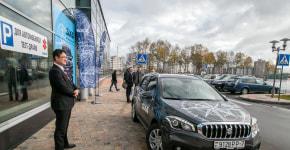 Путешествие с самураем: в Минске открыли автосалон Suzuki и представили модель SX4