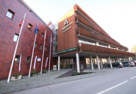 Отель Amberton Green Apartments